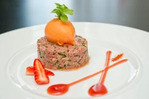 Le Carré Gourmand - Tartare de magret de canard, fraise Label Rouge